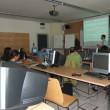 I partecipanti durante le esercitazioni dedicate alle tecniche di hacking