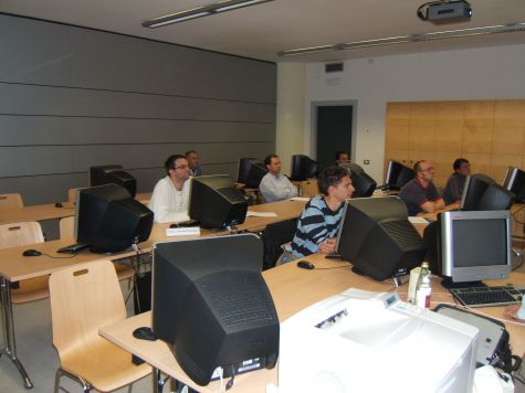 Panoramica dell´aula. Primo da sinistra, Paolo Da Ponte Becher di Altea Software