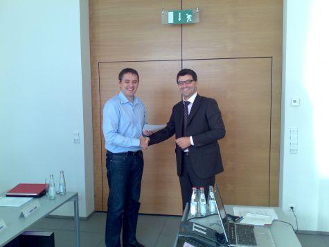Michael Thalmann della Cassa Rurale di Bolzano riceve il diploma di partecipazione