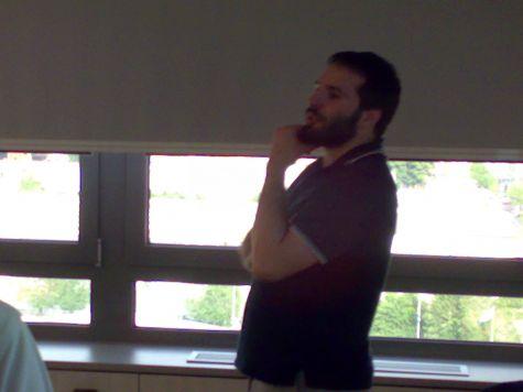 Ancora il nostro docente... pensoso