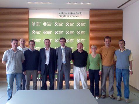 Stanchi e soddisfatti... un´immagine dei partecipanti al corso con il docente Ivan Fogliata, il coordinatore Lukas Kiesswetter e Federico Pitone di Red Oddity